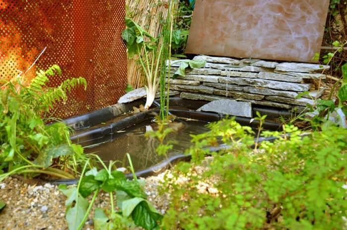 pose bassin de jardin